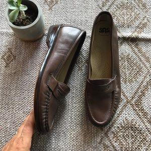 SAS Brown leather penny loafers size 8.5 N